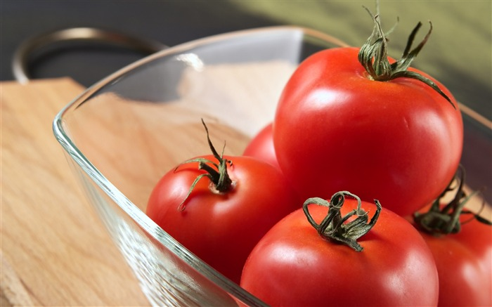 tomatoes glass-Food HD Wallpaper Views:3043
