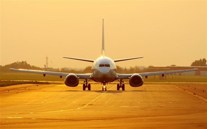 波音737在日落-飞机高清壁纸 预览