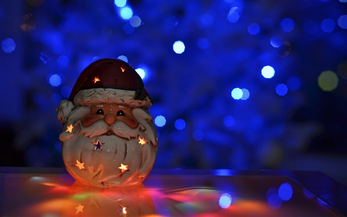 bokeh candle toy santa claus-Christmas Desktop Wallpaper Views:3344