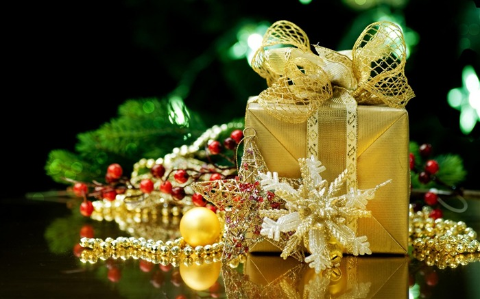 gift decorations-Christmas Desktop Wallpaper Views:3161