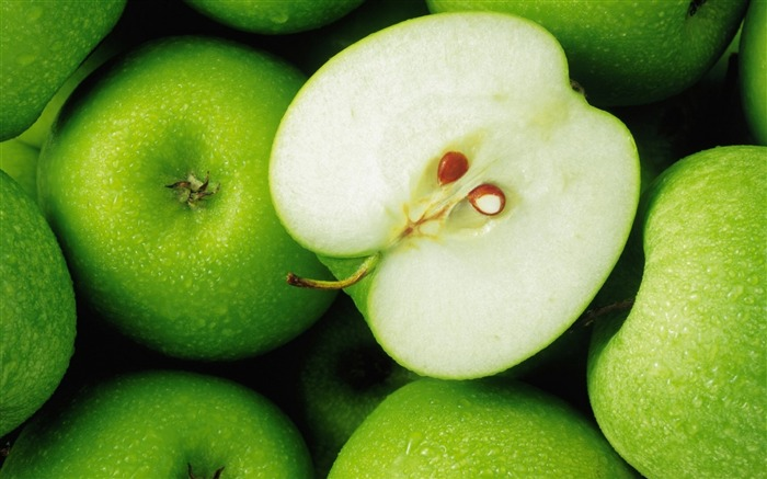 apples green ripe slice-Food HD Wallpaper Views:4826
