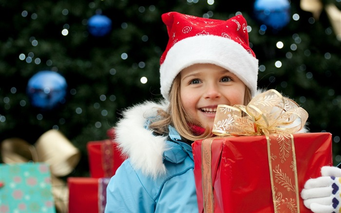 Cute kids Merry Christmas Holiday Wallpaper Views:7635