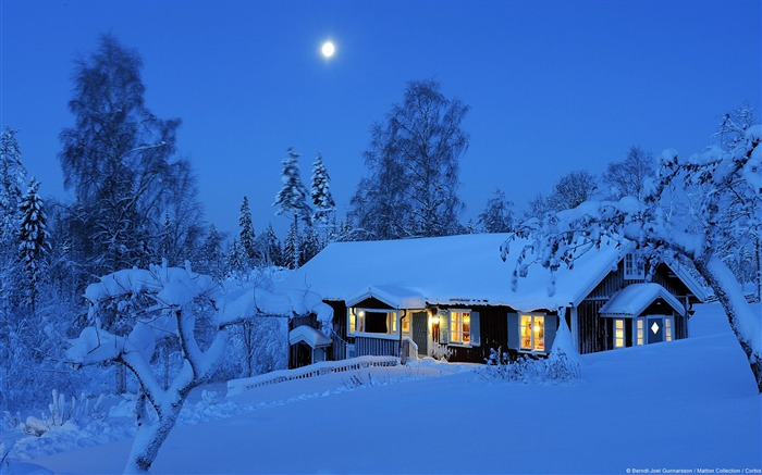 Winter rural house in Sweden-Windows HD Wallpaper Views:9049