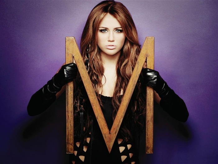 m from miley cyrus-photo HD Wallpaper Views:4370
