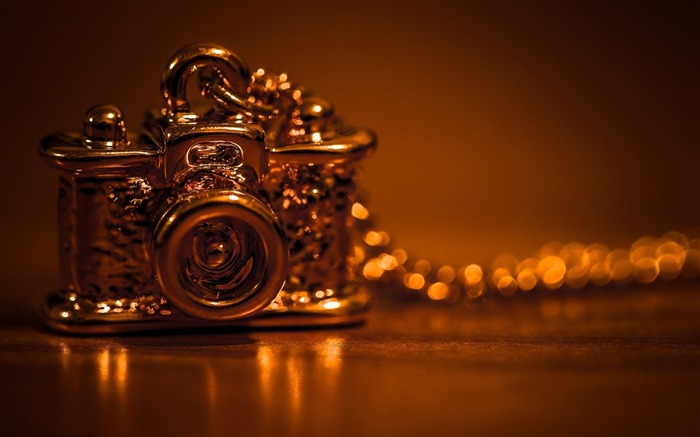 camera chain pendant-Brand desktop wallpaper Views:1777