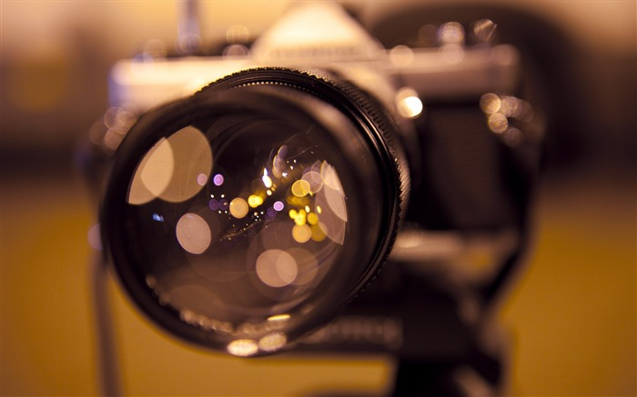 camera focus bokeh-Brand desktop wallpaper Views:3010