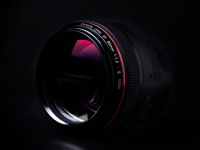 Canon 85mm-Brand Desktop Wallpaper Views:5602