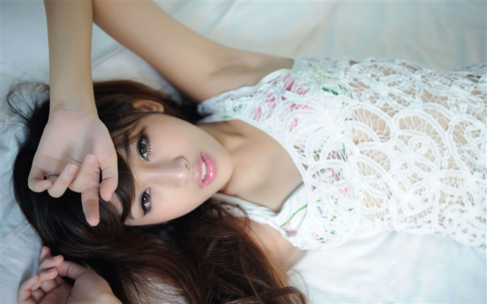 girl asian brunette-photo wallpapers Views:3511