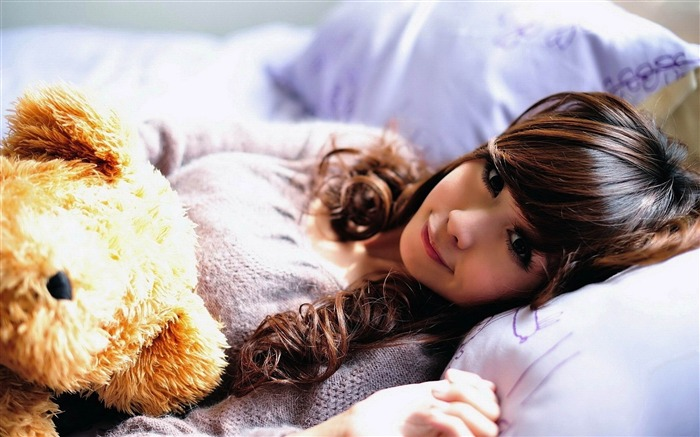 girl asian smile toy-photo wallpapers Views:3309