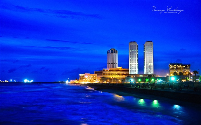 Beautiful city at night-Sri Lanka Win8 wallpaper Views:6837