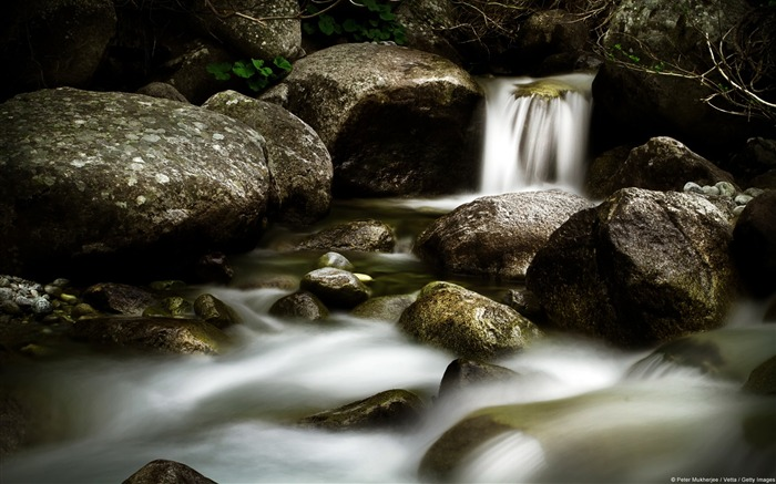 Streams and rock-Windows Theme Wallpapers Views:2053