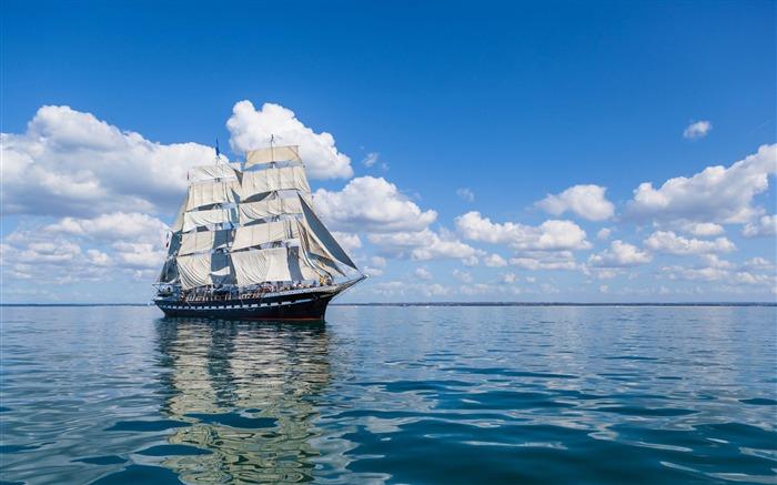 船海天空帆波-图片高清壁纸