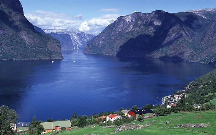 Aurland fjord in Norway-Windows HD Wallpaper Views:6531