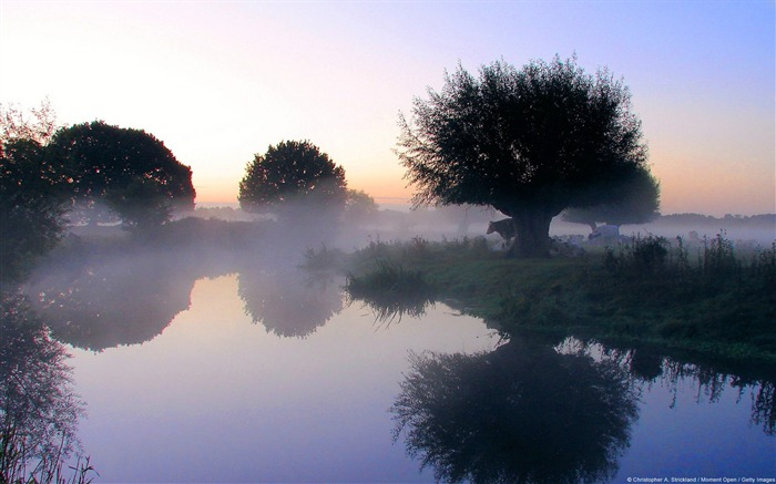 Essex morning-Windows Theme Wallpaper Views:3183