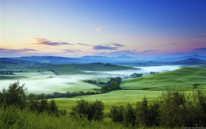 Italy Orcia Valley-Windows Theme Wallpaper Views:4047