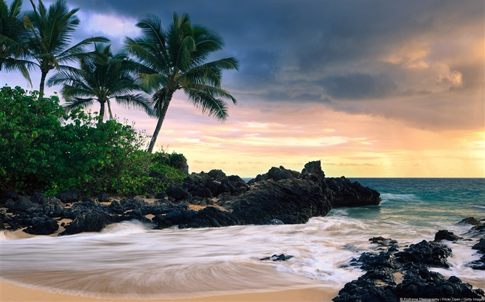Makena Bay Maui-Windows Theme Wallpaper Views:3145