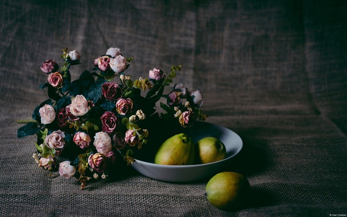 Still life of fruit and flowers-Windows HD Wallpaper Views:2268