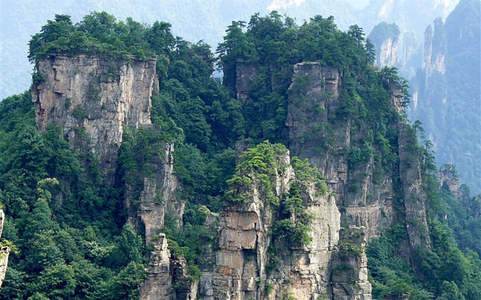 Zhangjiajie limestone pillars-Windows HD Wallpaper Views:3631