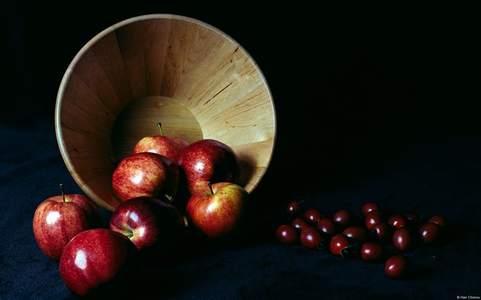 Apple Basket Still Life-Windows Theme Wallpaper Views:2327