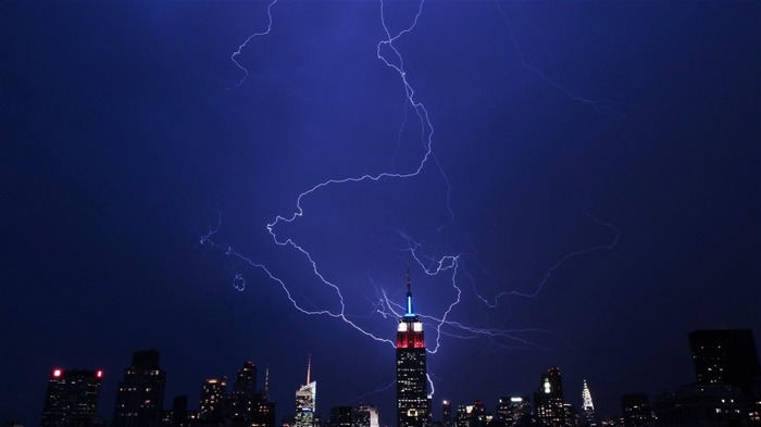 Empire State Lightning-HD Widescreen Wallpaper Views:2236