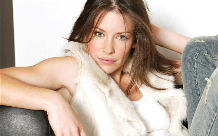 Evangeline Lilly-Beauty photo wallpaper Views:3282