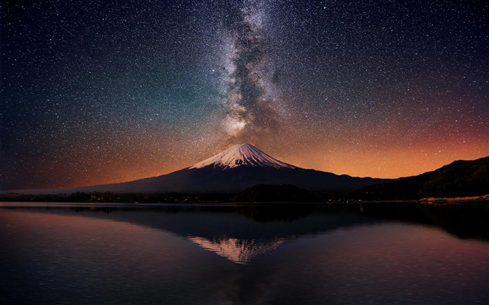 Milky Way Over Fuji Mountain-Nature HD Wallpaper Views:3955
