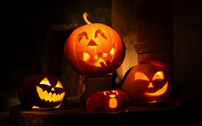2014 Halloween pumpkins theme wallpaper Views:5373