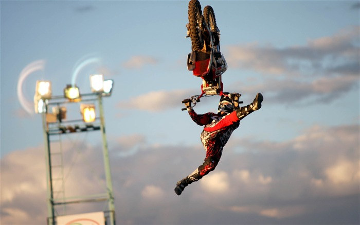 Crazy Motocross Jumps-Sports HD Wallpapers Views:2909