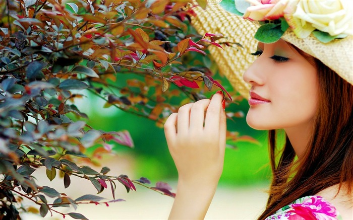 Cute Girl With Hat-Photo HD Wallpaper Views:2872