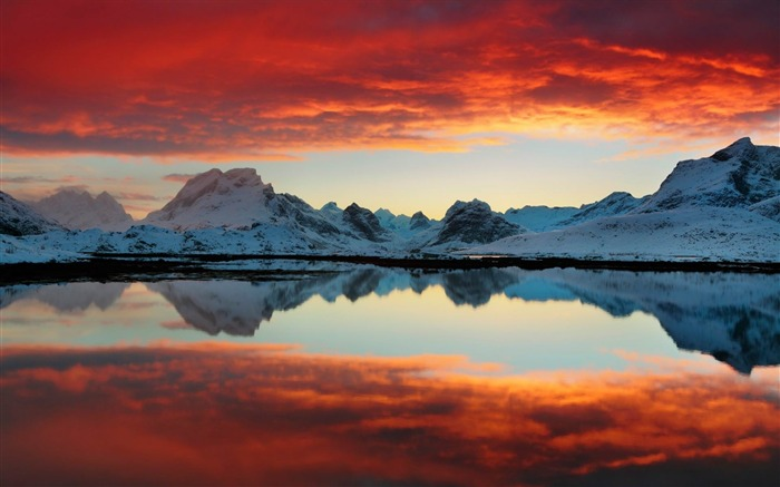 selfjord reflections-Nature wallpaper Views:4151 Date:12/12/2014 11:37:32 PM
