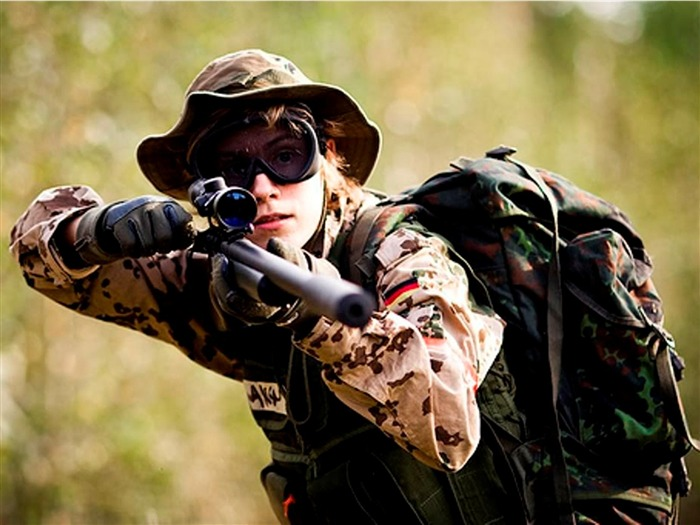 Sniper Girl Soldier-Military HD Wallpaper Views:5059