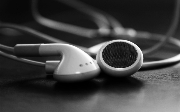 Apple earphones-Advertising HD Wallpaper Views:2760
