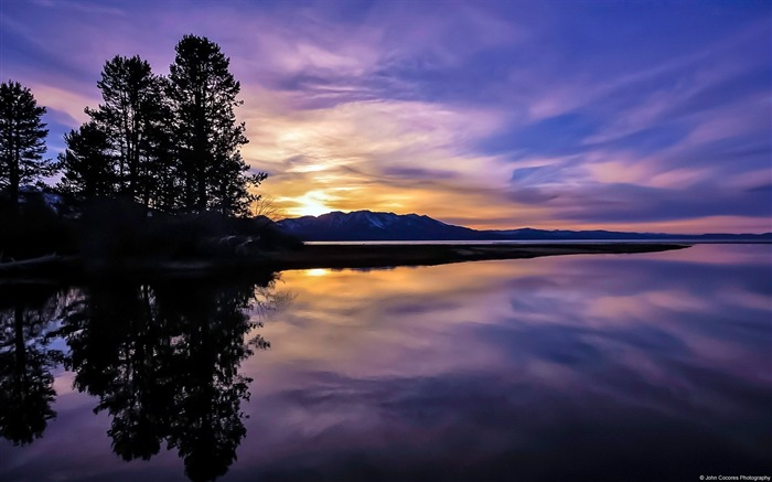 Lake Tahoe Reflection-Windows 10 HD Wallpaper Views:2070