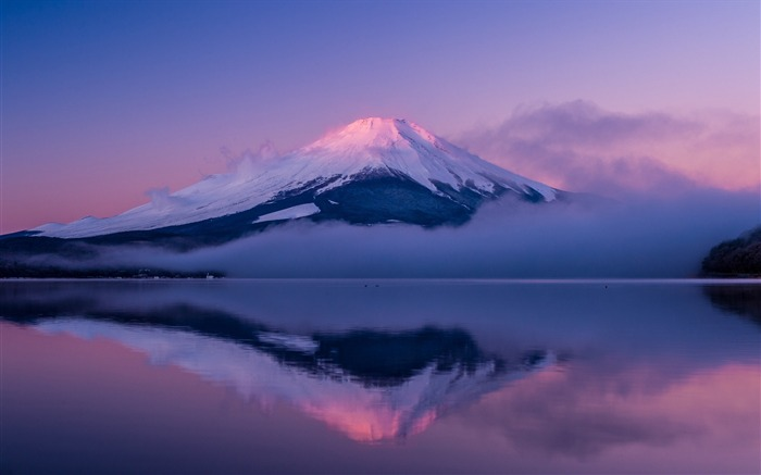 Mount Fuji Honshu Island-HD Scenery Wallpaper Views:3419