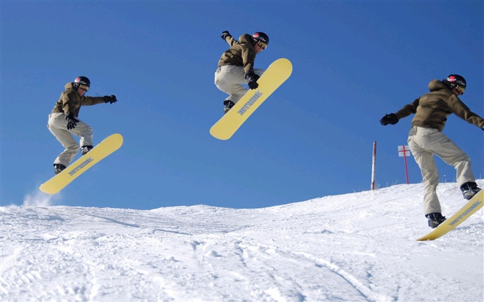 Amazing snowboarding extreme sports wallpaper 11 Views:2565