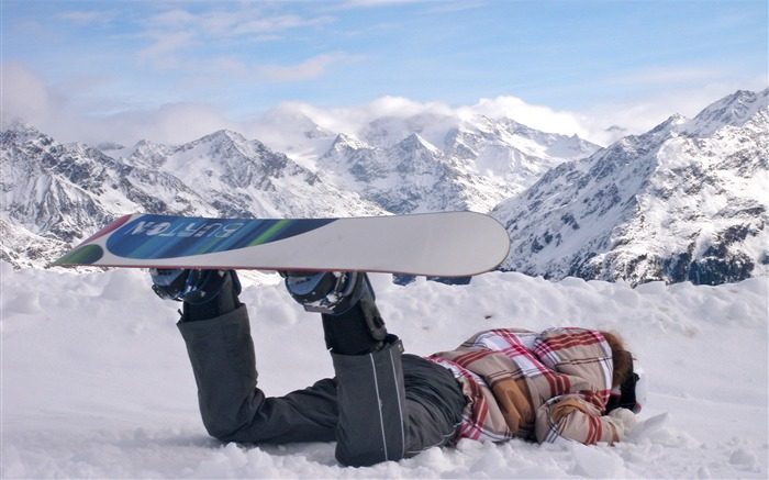 Amazing snowboarding extreme sports wallpaper 12 Views:2137