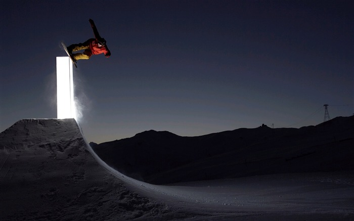 Amazing snowboarding extreme sports wallpaper 14 Views:2318