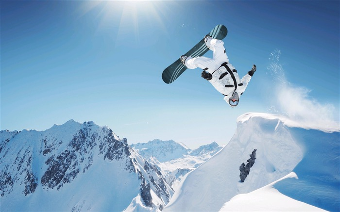 Amazing snowboarding extreme sports wallpaper Views:5063