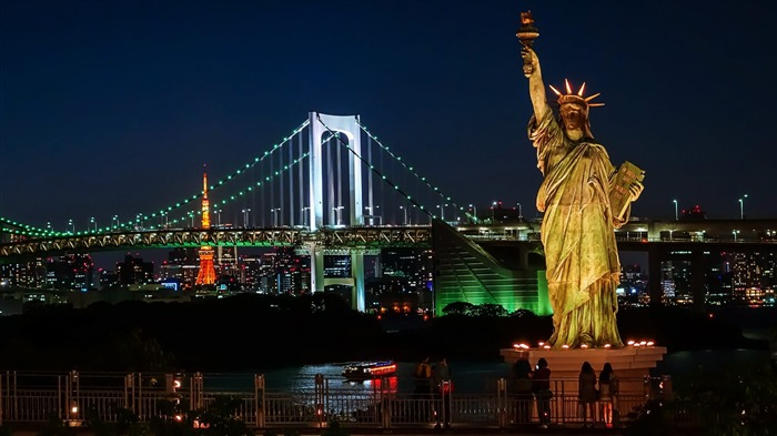 Statue Of Liberty At Night-Cities HD Wallpapers Views:1234