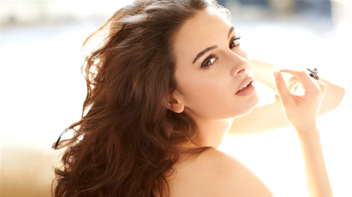 Evelyn Sharma-HD Photo Wallpaper Views:2145