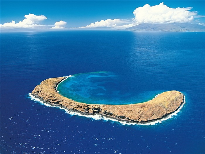 Molokini Crater-Nature Wallpaper Views:1907