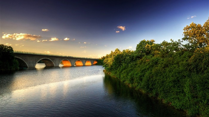 beautiful bridge-Nature Wallpaper Views:1583