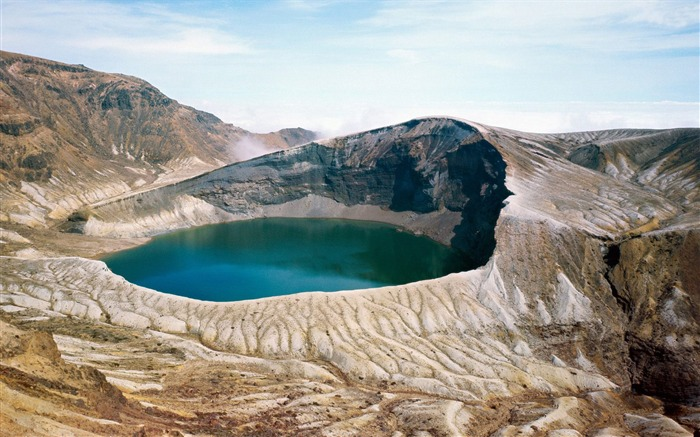 okama crater lake-Nature Wallpaper Views:2166