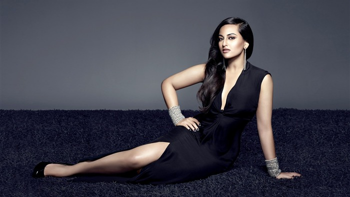 sonakshi sinha-HD Photo Wallpaper Views:1625