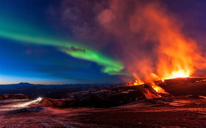 Aurora over the volcano-Photography Wallpaper Views:2038