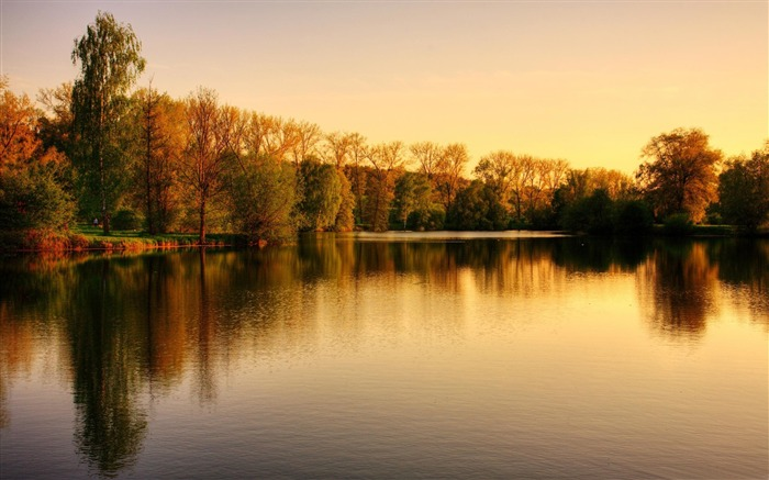sunset over the lake autumn-HD Nature Wallpaper Views:1331