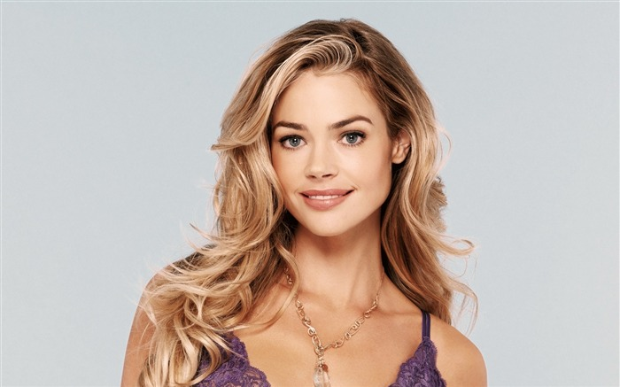 beautiful denise richards-Photo HD Wallpaper Views:2059