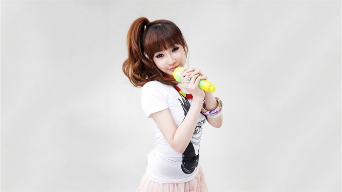 park bom from 2ne1-Photo HD Wallpapers Views:1180