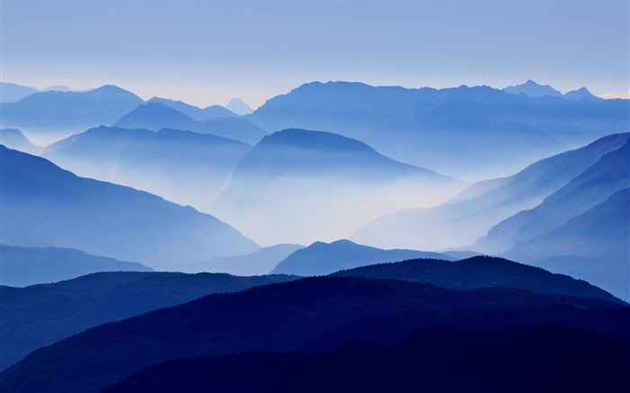 Blue mountains mist-Nature Photo HD Wallpaper Views:2657