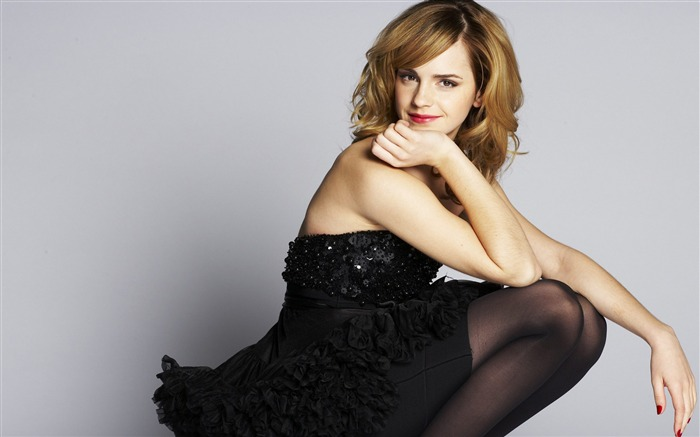 Emma Watson Blonde Beauty black-photo HD Desktop Wallpaper Views:1788